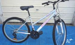 Good condition Aurora 66cm (26�) Ladies MTB Bicycle