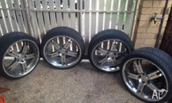 Set of 4 20 x 9 inch rims. Came off vz commodore. Needs