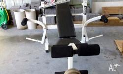 Avanti Bench Press in excellent condition with Bar and