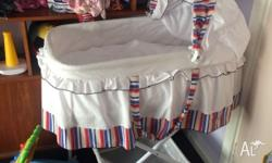Baby bassinet good used condition top comes off base