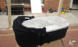Excellent condition valco bassinet used for 1 baby few