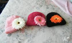 BEAUTIFUL BEANIES WITH REMOVABLE FLOWER FOR EASY