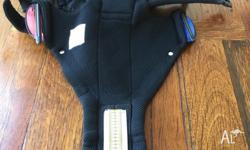 EUC BabyBjorn Baby Carrier Miracle comes with the box.