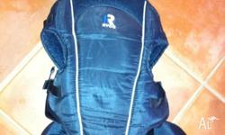Baby carrier, navy blue, easy to use and comfortable.