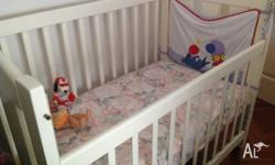 Hi im sell baby cot havy duty $250 baby basket $180 and