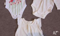 0 - 3mths Baby Gap Suit 3 - 6mths Baby Gap T-Shirt 00
