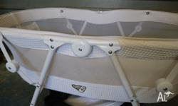Great portable bassinet with carry bag and mosquito