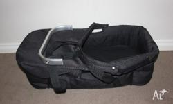Baby jogger city select bassinet kit in Excellent
