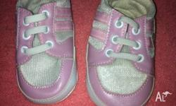 I am selling a pair of girls size 3-6 months walkers.