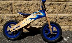 Near new boys Netti balance bike. Minimal wear on tyres