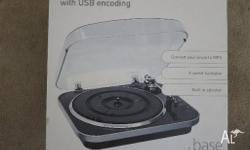 Convert your vinyl records to MP3's. 3 speed turntable
