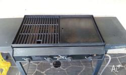 Selling 4 burners BBQ due to upgraded new one, bought