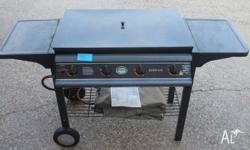 4 burner BBQ with grill and hotplate, both in good