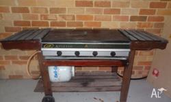 Reliable bbq with cover...grill plate and hot plate