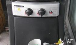 BBQ 2 Burners, very good condition, excellent for Unit