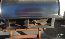 BBQ. Marine stainless steel Adaptable to most rails Has