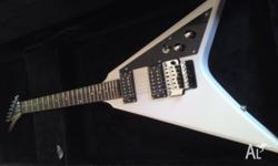 Beautiful white Mendez flying V in almost perfect