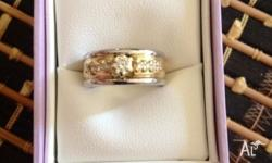 Beautiful engagement�wedding�dress ring!! Made by Perth