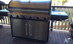 BEEFMASTER PREMIUM HOODED BBQ. 6 Burner with a side wok