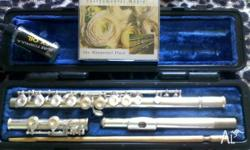 Perfect flute for beginners- barely used,excellent