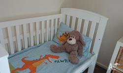 White bertinit cot. Currently shown with side off for