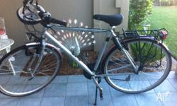 Giant Brand Bicycle in excellent condition. Has bike