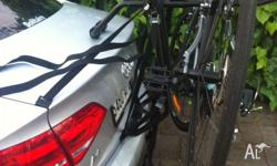 Only used once!!!!! Bike rack to carry three bikes. No