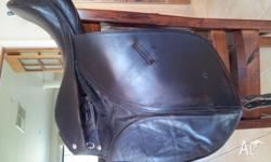 Black 16inch Leather Dressage Saddle. Unmounted. Girth