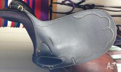this western saddle is basically looking brand new in