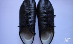 I have for sale a pair of Bloch Jazz Split Sole Shoes