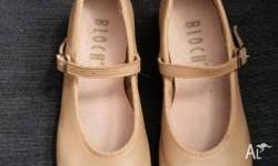Size 13 girls Bloch tap shoes in good used condition.