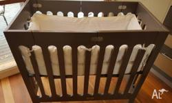 I adore this cot! It's a gorgeous and practical design.