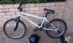 Specialized 415 BMX. This BMX has hardly been ridden