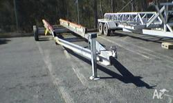 Boat recovery trailer will take up to 28ft boat Tandem