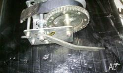 2 SPEED BOAT WINCH..HARDLY USED.. GOOD CONDITION....