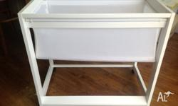 White Boori Waratah Bassinet. Only used for four