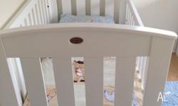 Bori cot good condition, includes mattress and change