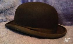 Bowler Hat - R.M.Williams 55.5cm measurment inside