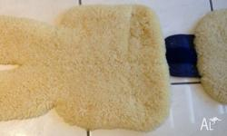 Bowron Sheepskin Rug for Baby's Stroller This is an