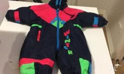 Boys size 1 snow suit In very good condition Snow suit