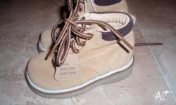 free pair of sneakers from apple pie are size 3 (used