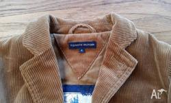 Barely worn and in great condition. Soft corduroy