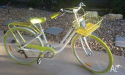 BEAUTIFUL Vintage Cruiser bike with front basket for