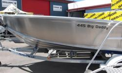 FOR SALE SAVAGE BIG DADDY 445 - Big beamy open boat -