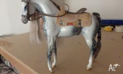 2 bratz horses Pic 1: grey horse with western saddle