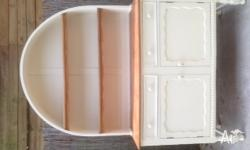 buffet/hutch - vintage french provincial $250 good