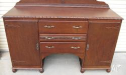 Buffet or side cabinet made to last In good condition,