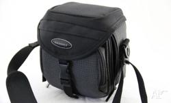 Good quality camera bag in execllent condition with 2