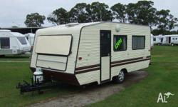 CARAVAN - COMMODORE LOW-TOW 16ft 6, 1990, Cream,
