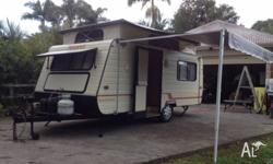 1990 Advance Pop Top caravan. 2 Twin large single
